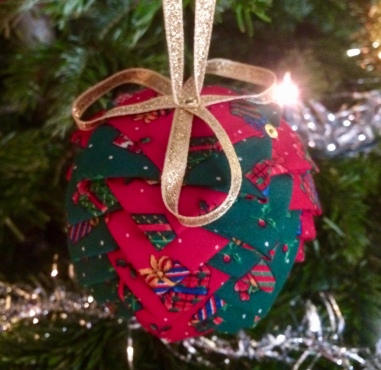 One of the finely crafted baubles my mum used to make for our tree