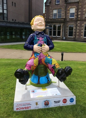 Wullie in front of the theatre